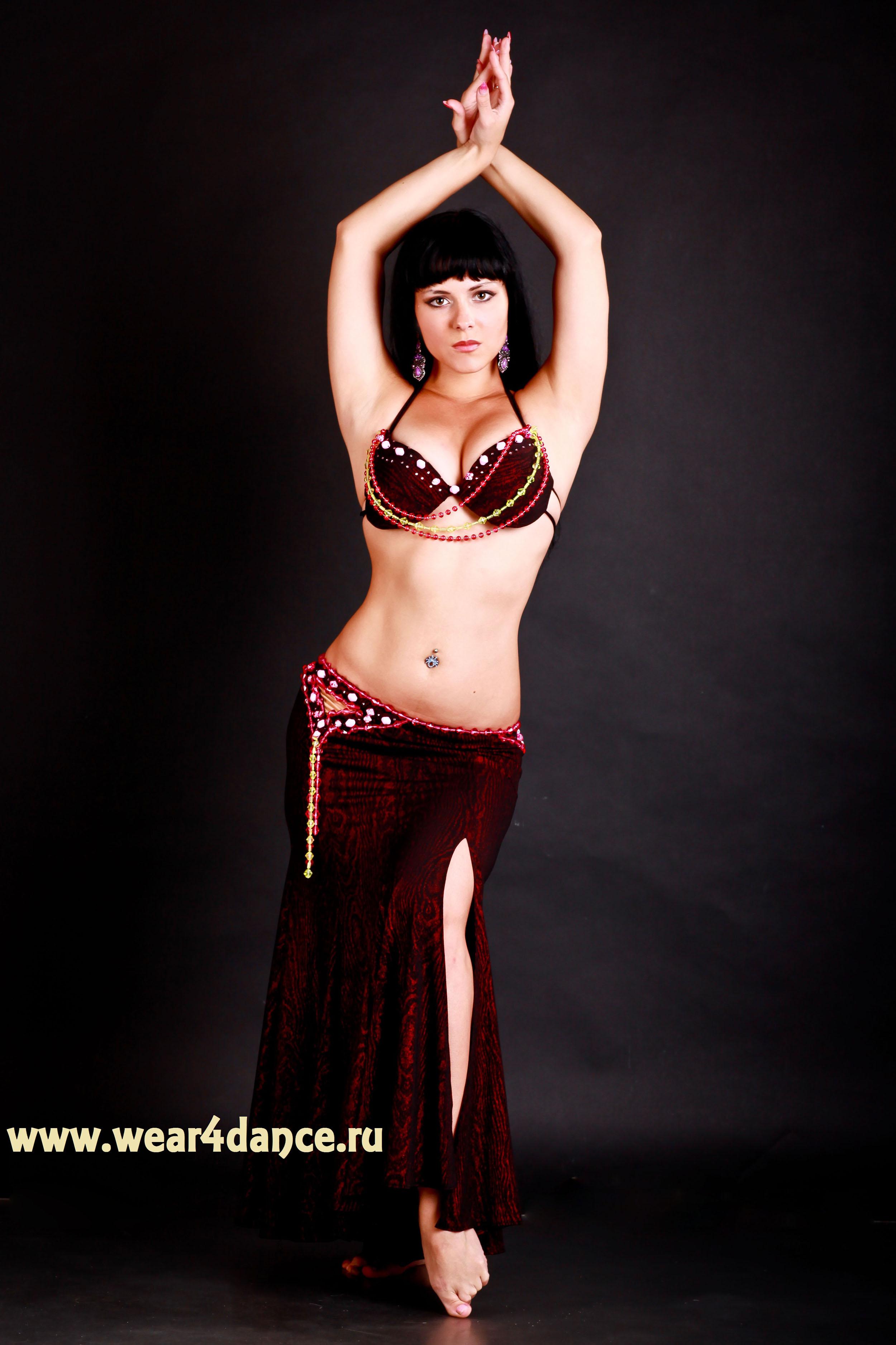 Юбке танцует стриптиз 7 фотография