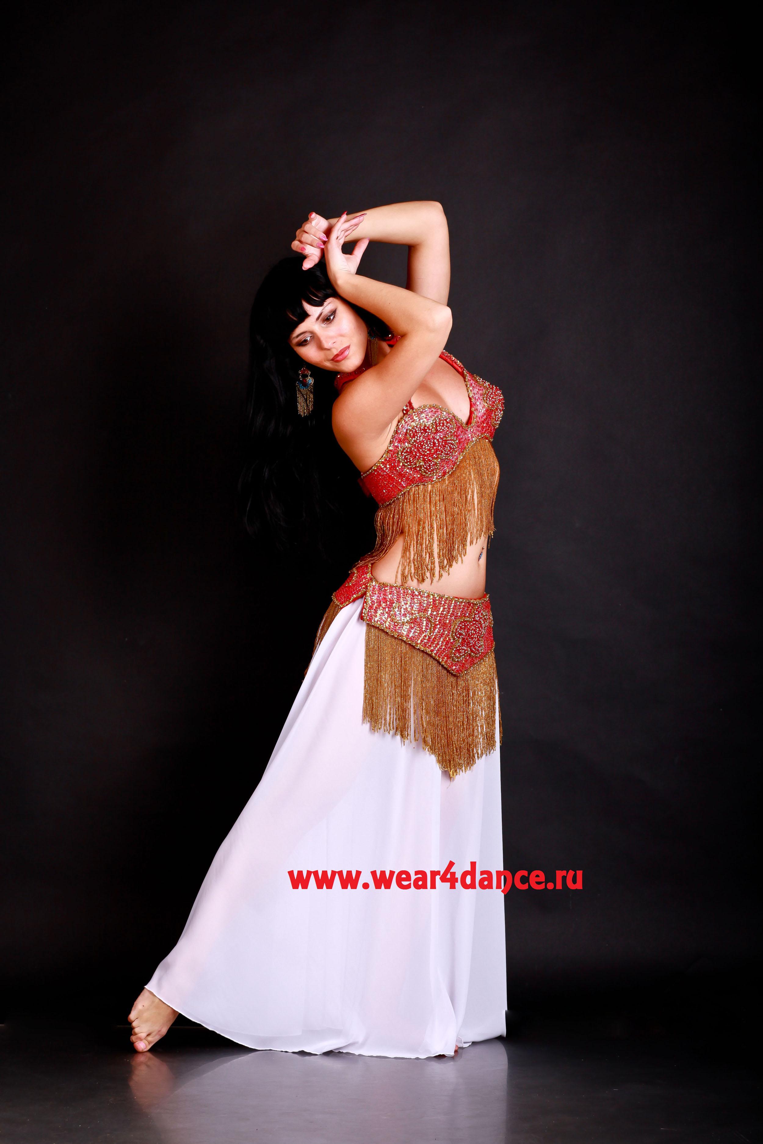 Юбке танцует стриптиз 4 фотография